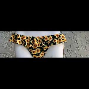NWT forever 21 sunflower 🌻 bikini bottom